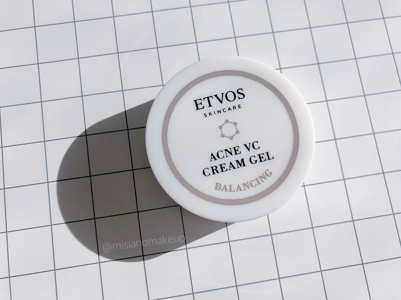 ETVOS「薬用アクネVCクリームジェル」